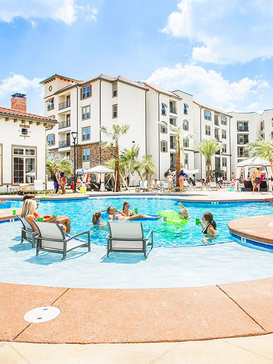 Poolside – Lark Baton Rouge